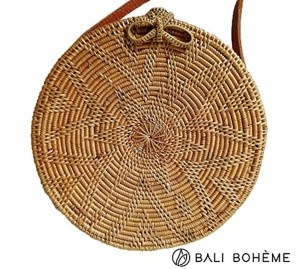 BALI BOHEME Sac Femme Tendance Eté 2018 – Osez le sac rond en Rotin Osier avec sa lanière Cuir – Taille Médium 20cm – Made in Bali – Modèle Rosace noeud 2018